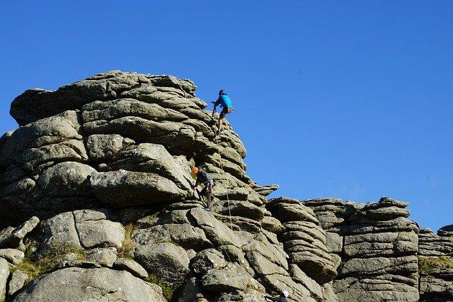 escalade de rocher, dartmoor, hound